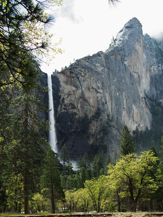 Bridalveil-Fall-Yosemite-2010-05-26-IMG 5795
