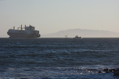 container-ship-and-pilot-boat-Port-Hueneme-2012-06-29-IMG 5438 2 1